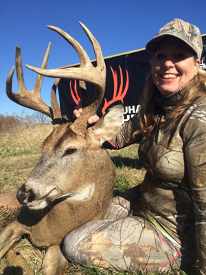 Book Now for 2016 Whitetail Hunts