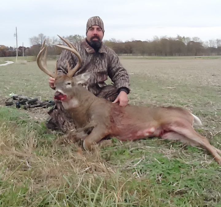 November's hunts start out with success – Shuhart Creek Whitetails {Hancock County Illinois}